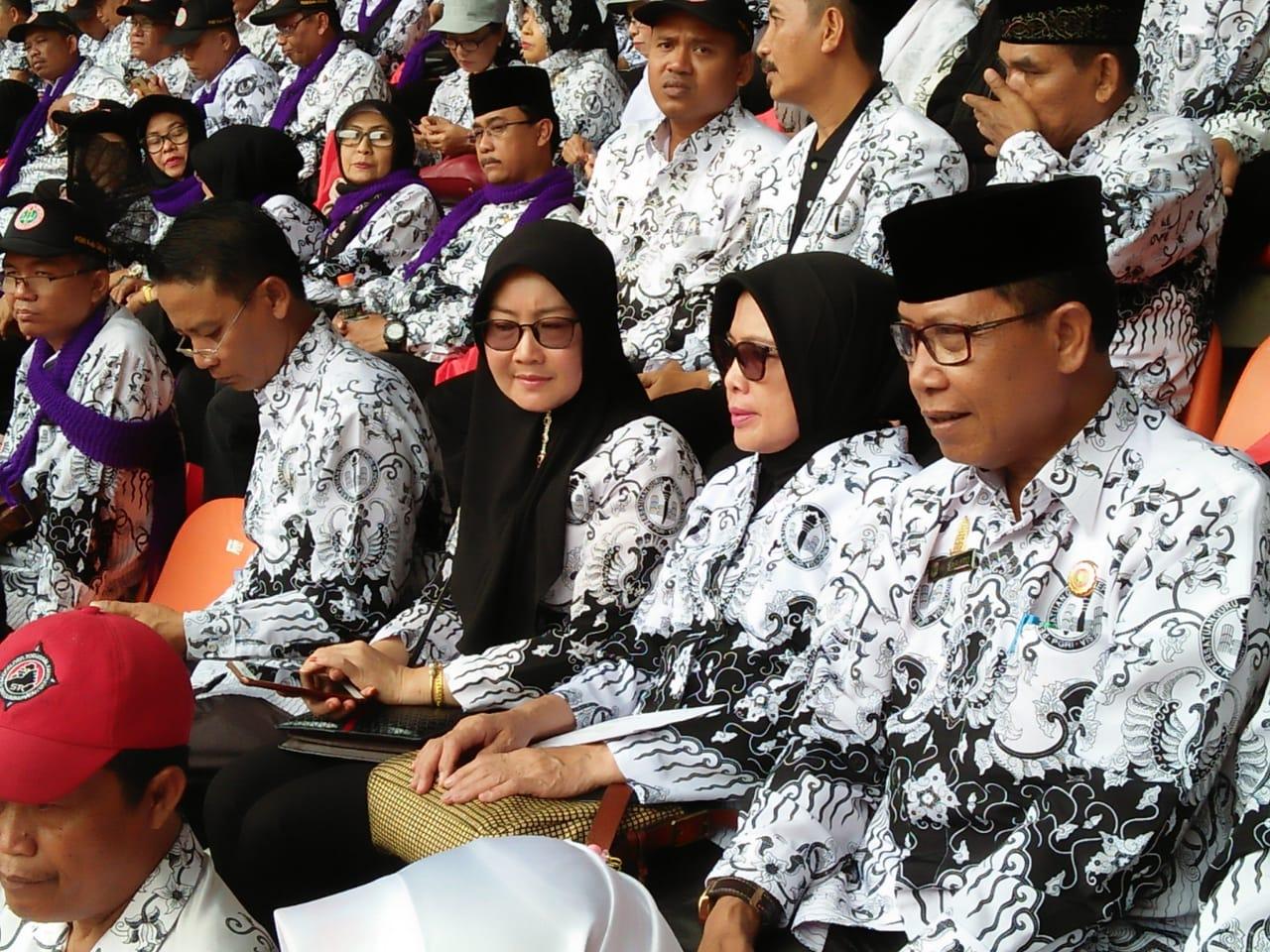 Photo of Pembina PGRI Menghadiri Puncak Peringatan Hari Guru Nasional Di Bogor