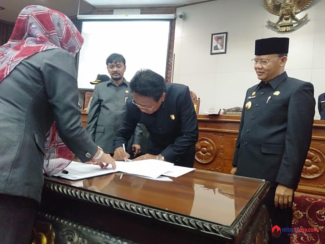 Photo of Rapat Paripurna Penyampaian Raperda Pertanggungjawaban APBD 2018 DPRD Provinsi Bengkulu