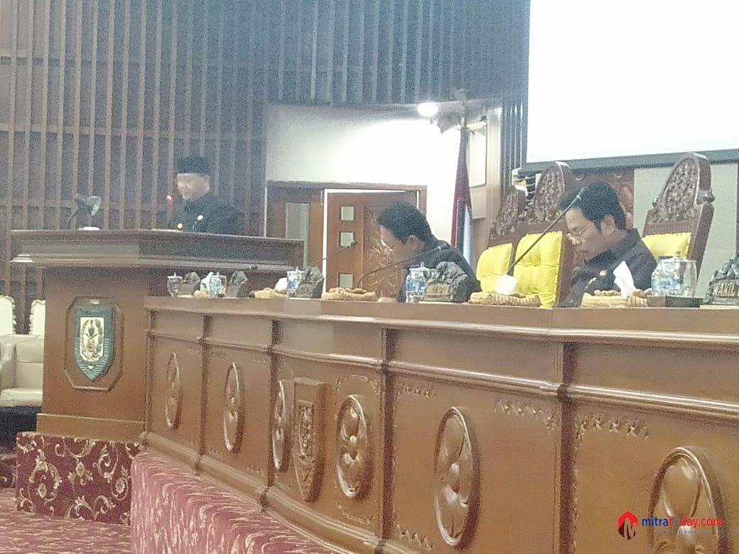 Photo of Rapat Paripurna Penyampaian Penjelasan Gubernur Atas Raperda Pertanggungjawaban APBD 2018