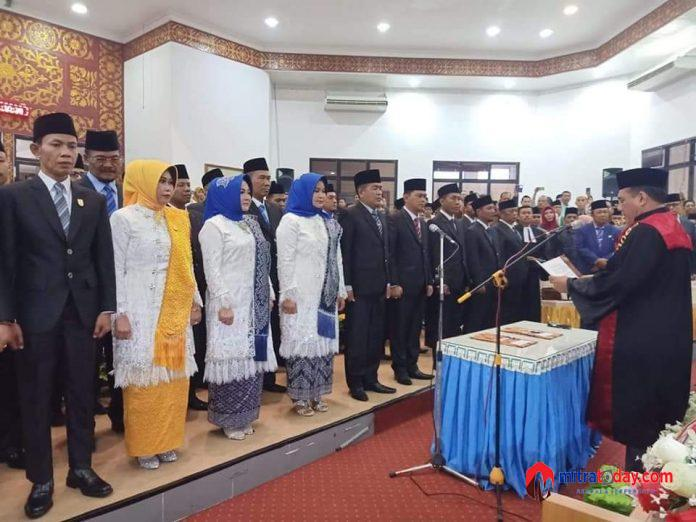 Photo of Dilantik Ketua PN, Demokrat Dan Nasdem Pimpinan Sementara DPRD Dumai Periode 2019-2024