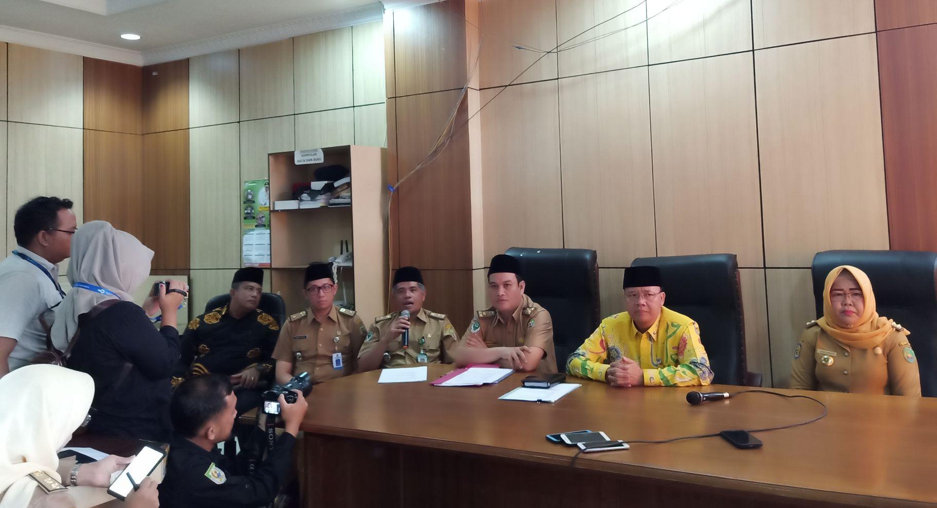 Photo of Pastikan Bengkulu Aman Dari Virus Corona, Gubernur Didampingi Dr. Ismir Fahri Gelar Jumpa Pers