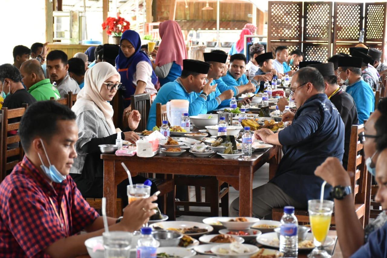 Photo of Gubernur Ajak Kafilah Babel Nikmati Wisata dan Kuliner Sumatera Barat