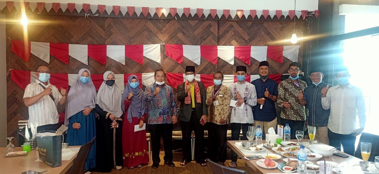 Photo of Motivasi Peserta MTQ Nasional Asal Meranti, Bupati Irwan Berikan Bantuan