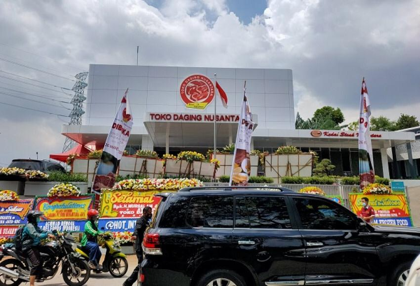 Photo of Ketua KADIN Jakarta Resmikan Toko Daging di Depok