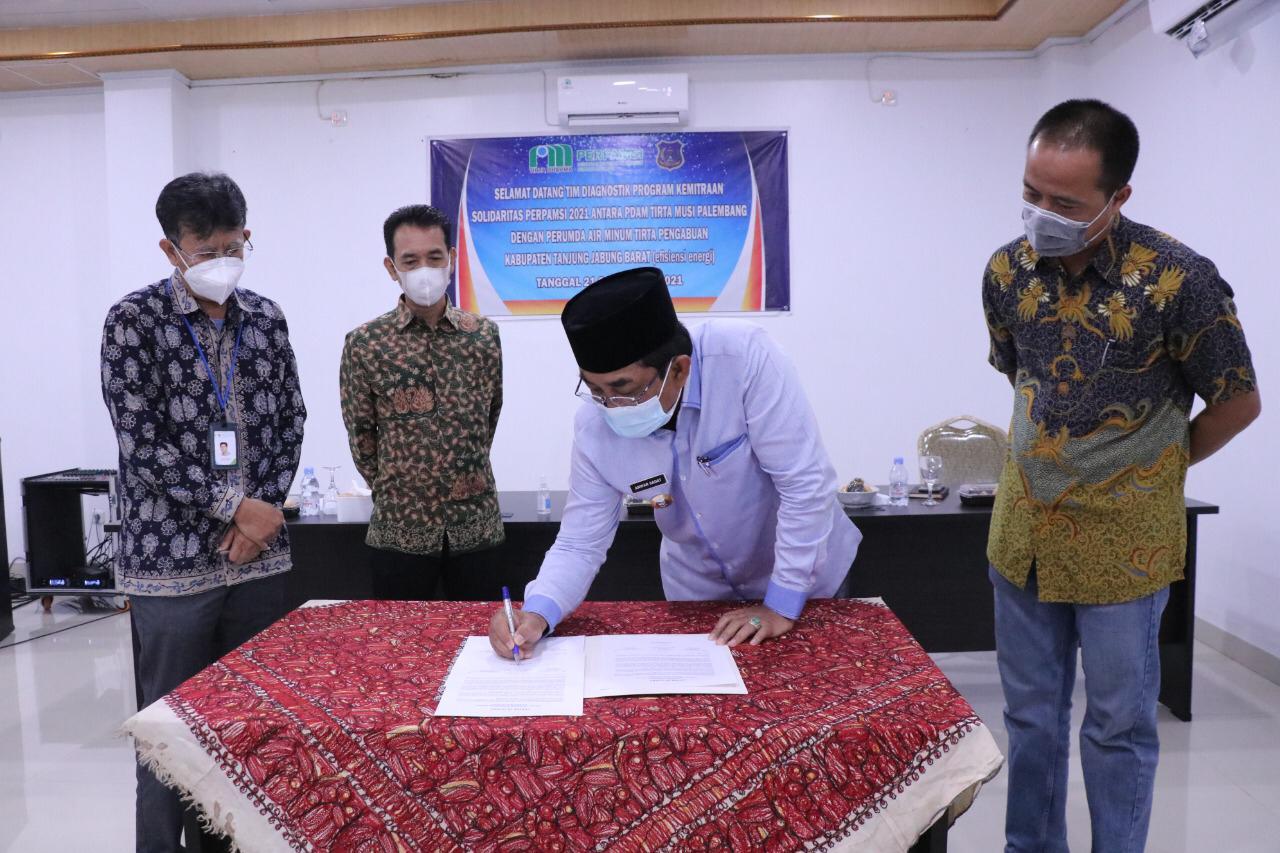 Photo of Bupati Tanjabbar Hadiri Kunjungan Kerja Diagnotik PDAM Musi Kota Palembang