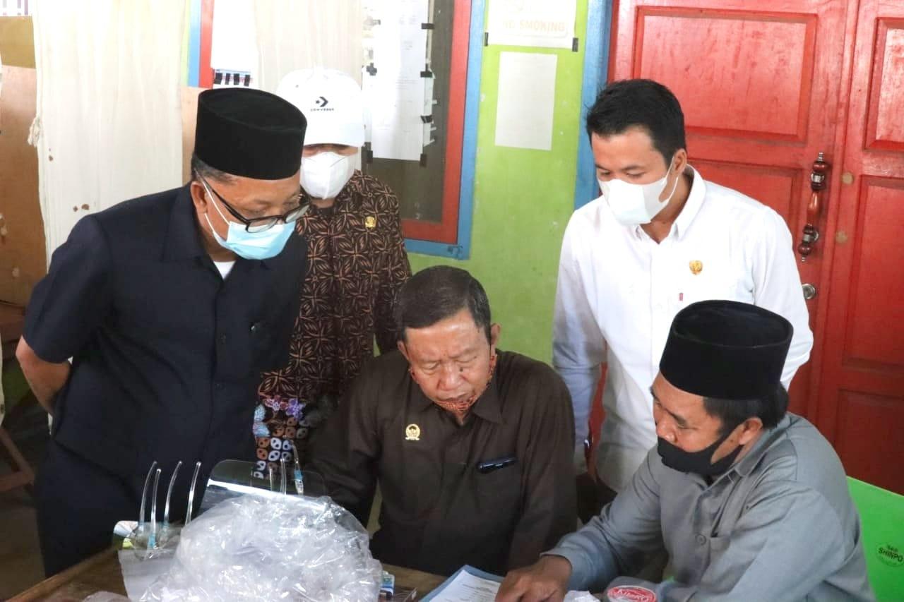 Photo of Komisi I dan Komisi III Pantau Pelaksanaan Pilkades Serentak