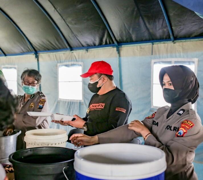 Photo of Bupati Jember Cek  Dapur Umum Untuk Warga Yang Menjalani Isolasi Mandiri