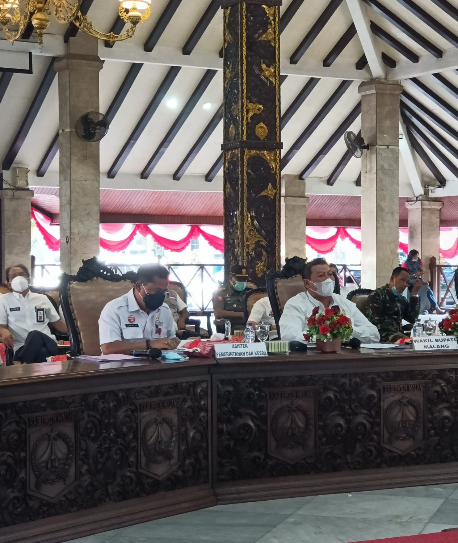 Photo of Wabup Malang Minta Fasilitas Gedung Isoter Dilengkapi Wifi