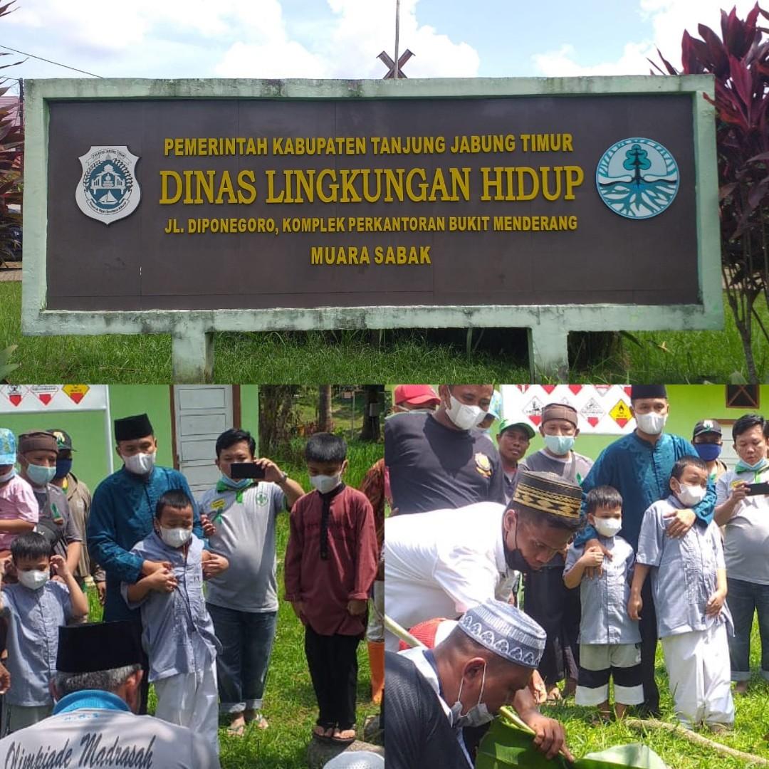 Photo of Idul Adha 1442 H, Keluarga Besar DLH Tanjabtim Kurban 2 Ekor Sapi dan 2 Ekor Kambing