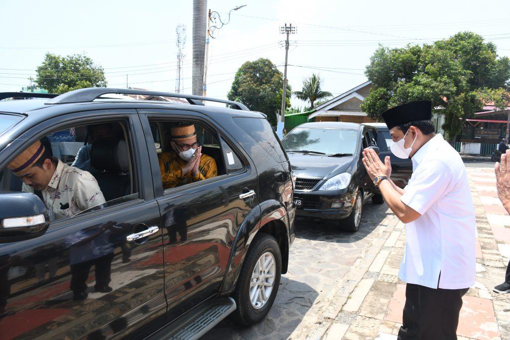 Photo of Bak Seperti Raja, Dedy Wahyudi Sambut Wawali Tangsel Ketika Tiba Di Bengkulu