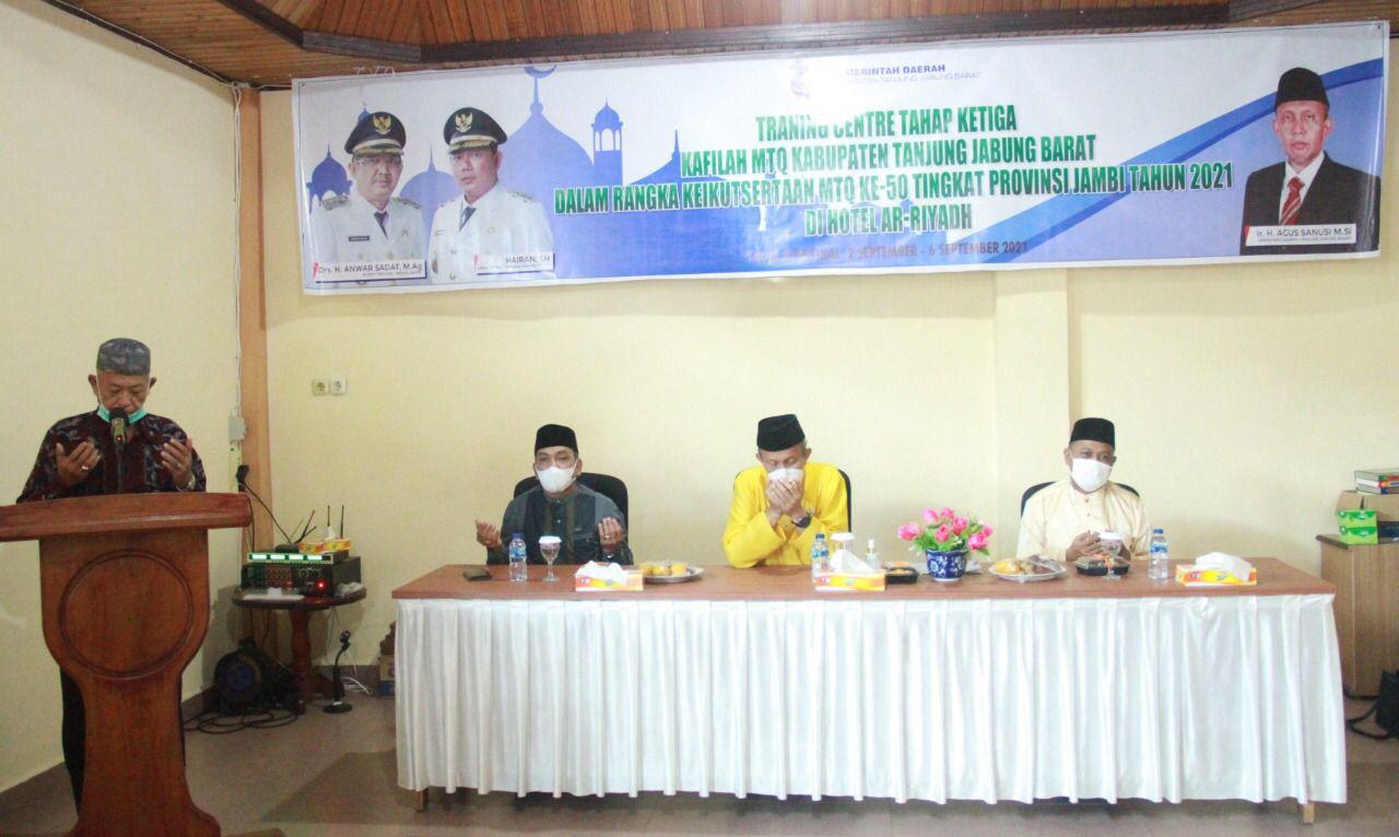 Photo of Sekda Tanjabbar Hadiri Traning Centre Dalam Rangka Menghadapi Even MTQ Tingkat Provinsi Ke 50 Tahun 2021