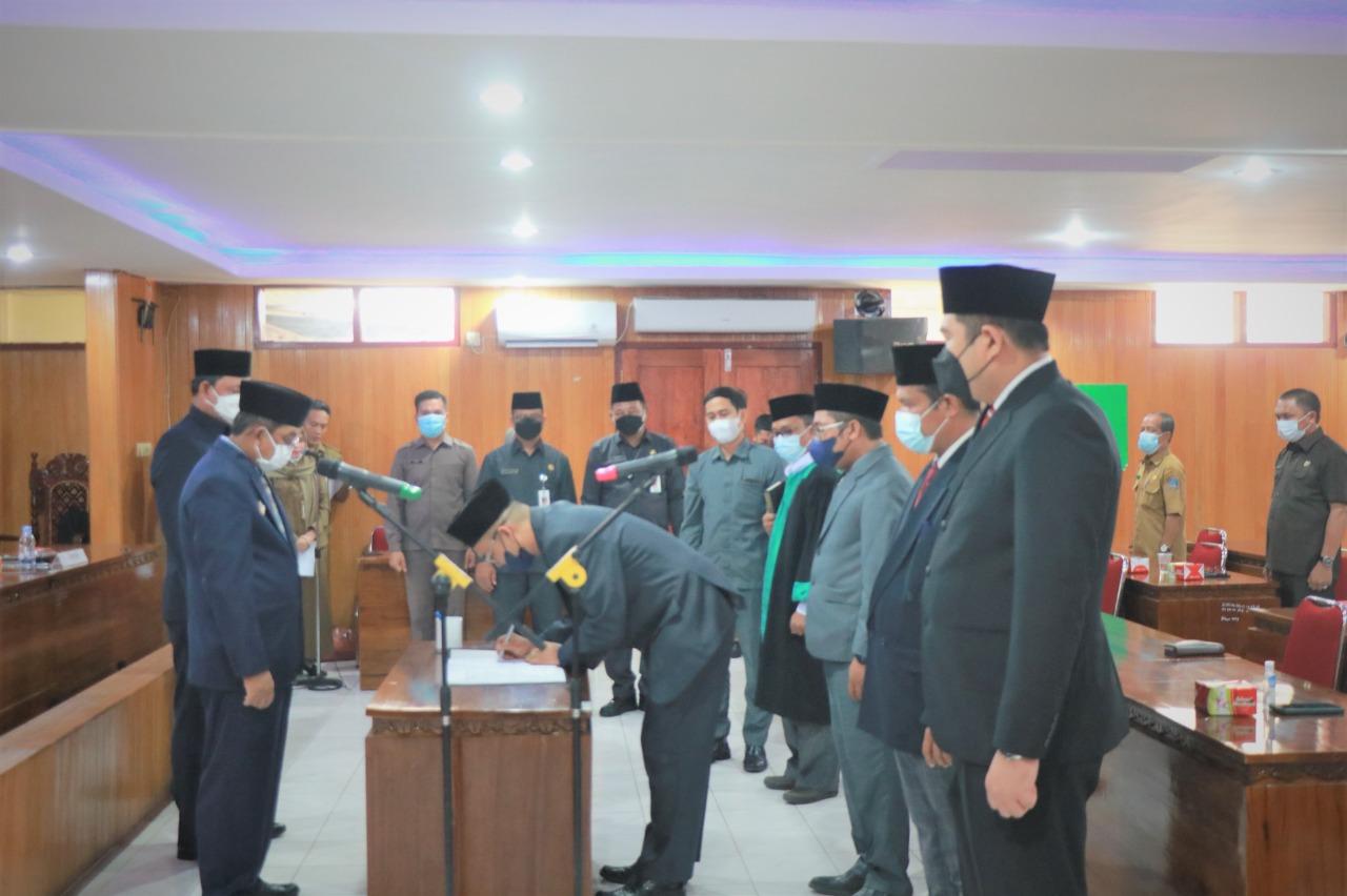 Photo of Perdana, Bupati Lantik Pejabat Struktural Dilingkungan Pemkab Tanjung Jabung Barat