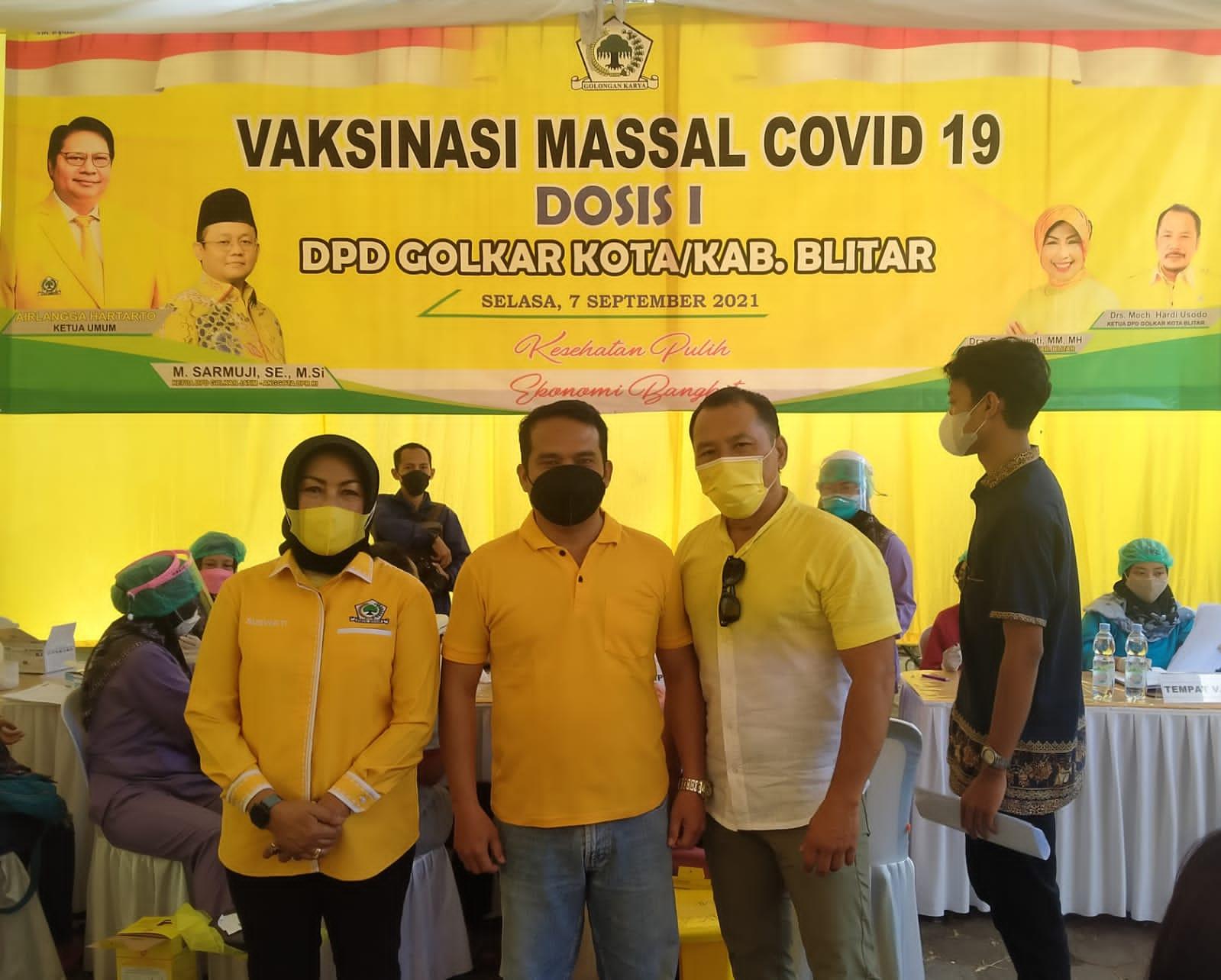 Photo of Waka DPD Golkar Kota Blitar : 1000 Kuota Vaksin Disediakan Untuk Masyarakat Umum