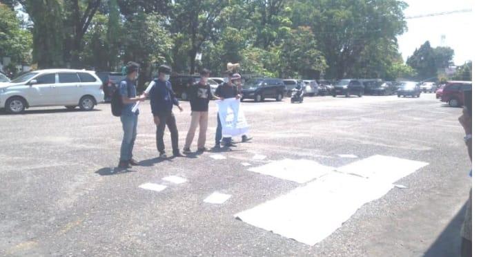 Photo of Gas LPG 3 Kg Langka, Bupati Lahat Di Demo PPKM
