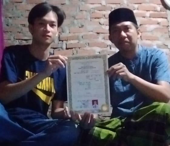 Photo of Curhat Ijazahnya Tertahan Karena Tunggakan SPP, Wali Kota Dan Ketua Komisi III Bertindak