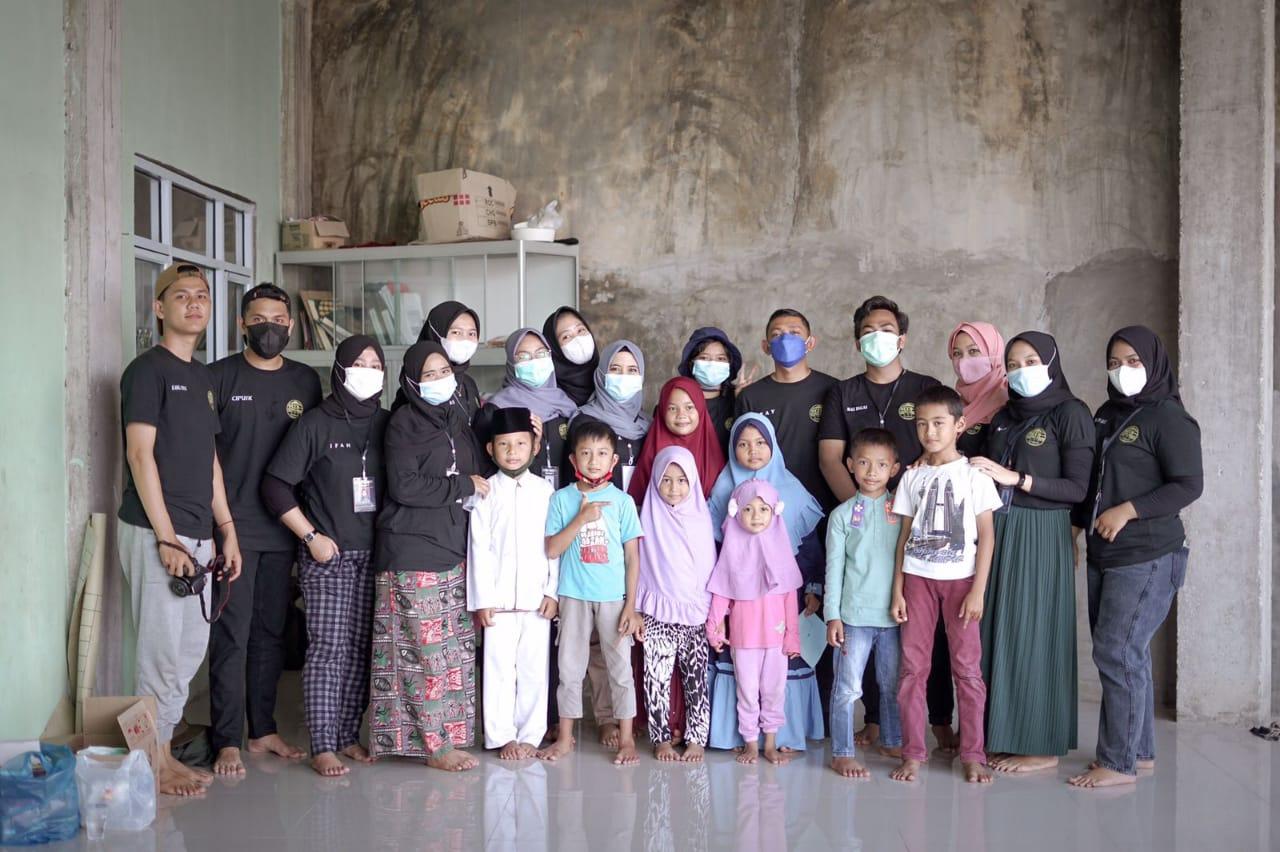 Photo of Mahasiswa KKN UMRI Laksanakan Pembelajaran Multimedia Interaktif di Kelurahan Sungai Sibam