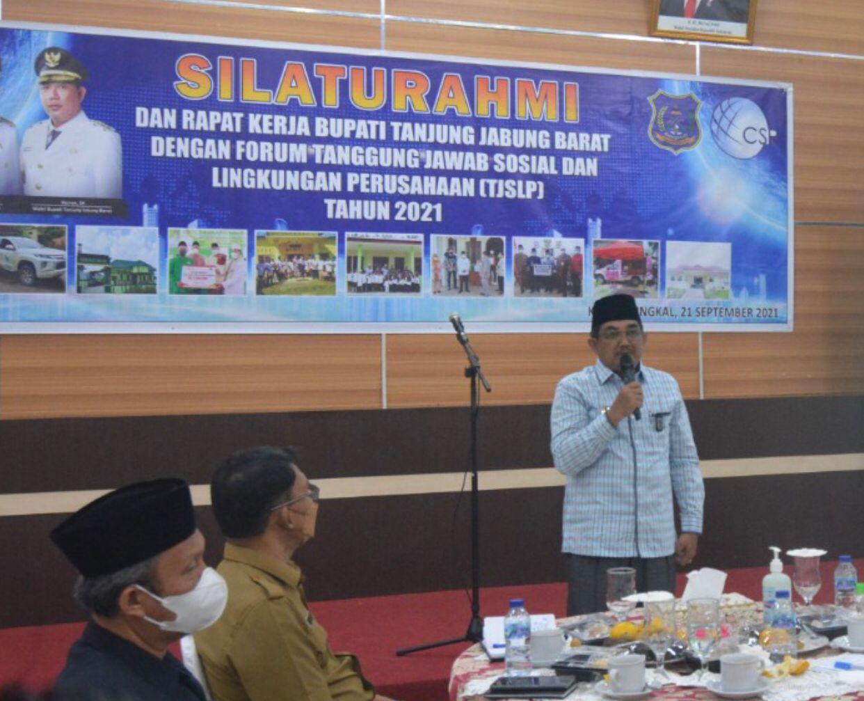 Photo of Bupati Tanjabbar Gelar Rapat Kerja Bersama Forum TJSLP