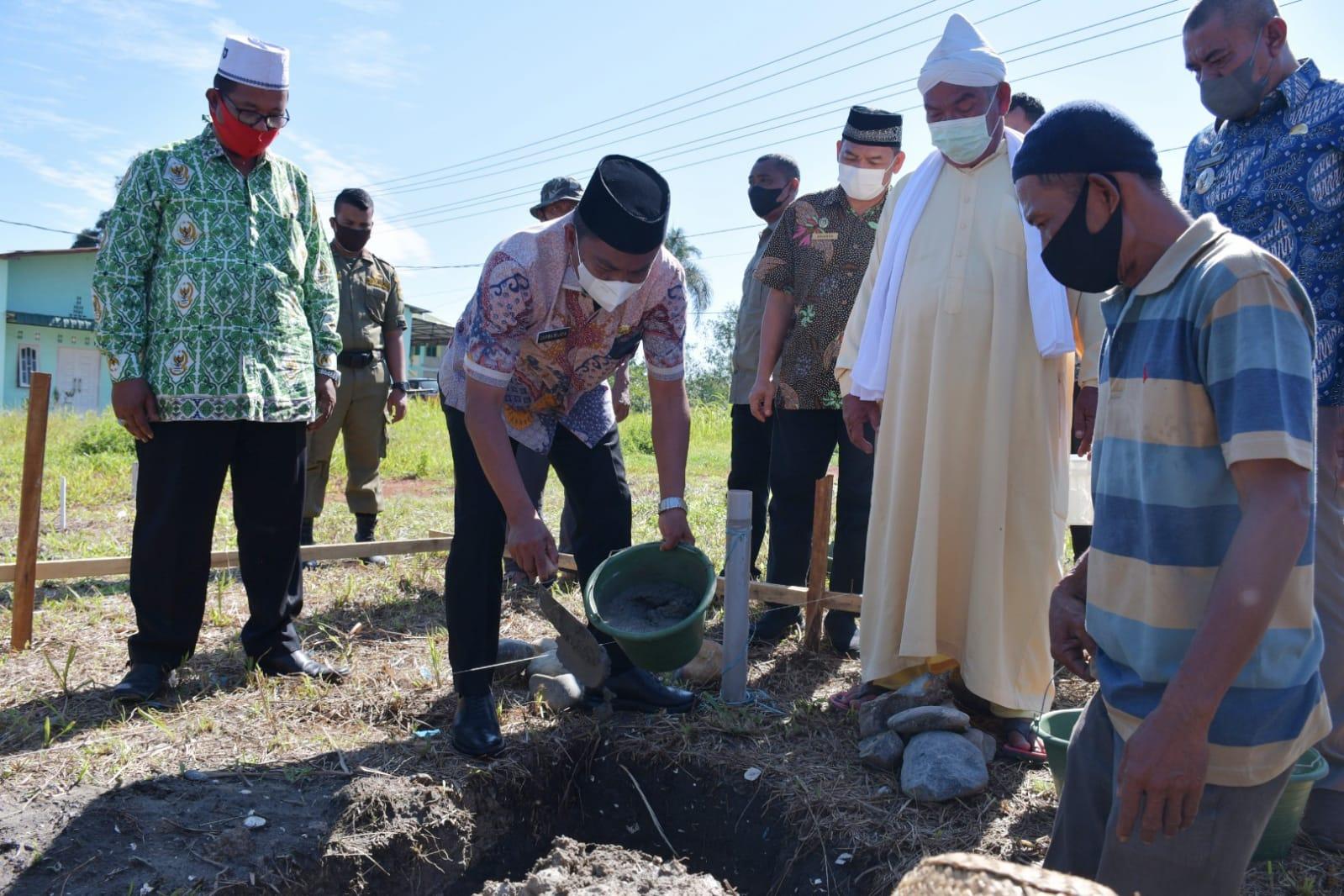 Photo of Bupati Sergai Hadiri Peletakan Batu Pertama Pembangunan Rumah Suluk Tarekat Naqsabandiyah di Kotapari