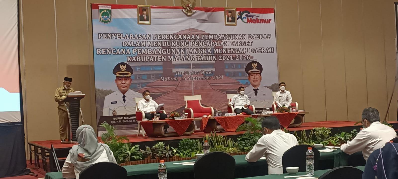 Photo of Terungkap, Isi Paparan Evaluasi Kinerja Eselon 2 Pemkab Malang Ternyata Disusun Tim Revapor