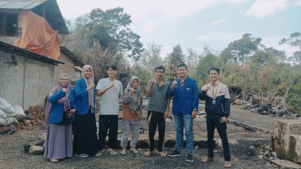Photo of Peduli Korban Kebakaran,PC PMII Curup Berikan Donasi