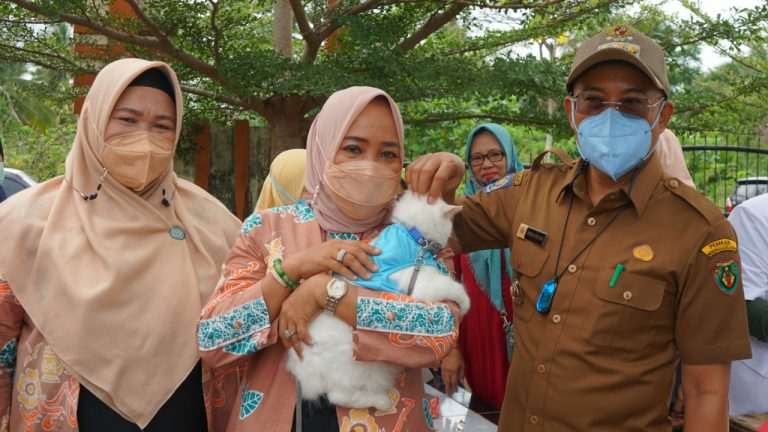 Photo of Bupati : Pentingnya Vaksinasi Massal Anti Rabies