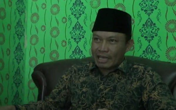 Photo of Ketua LSM LPAB : Ada Unsur Kesengajaan Pengerjaan Lapen Di Sri Way Langsep