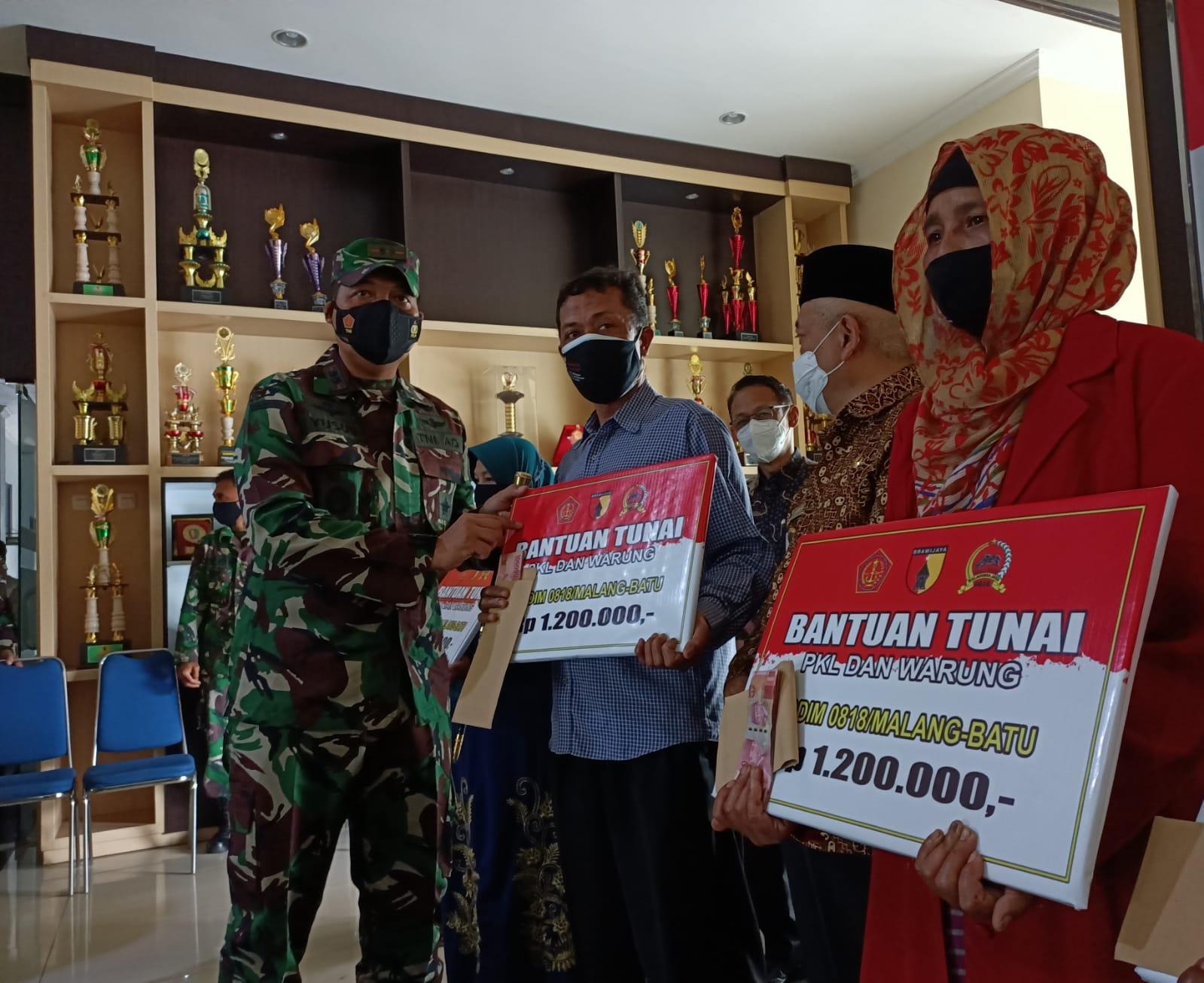 Photo of 6.300 PKL Dan Pemilik Warung Terima Bantuan Tunai