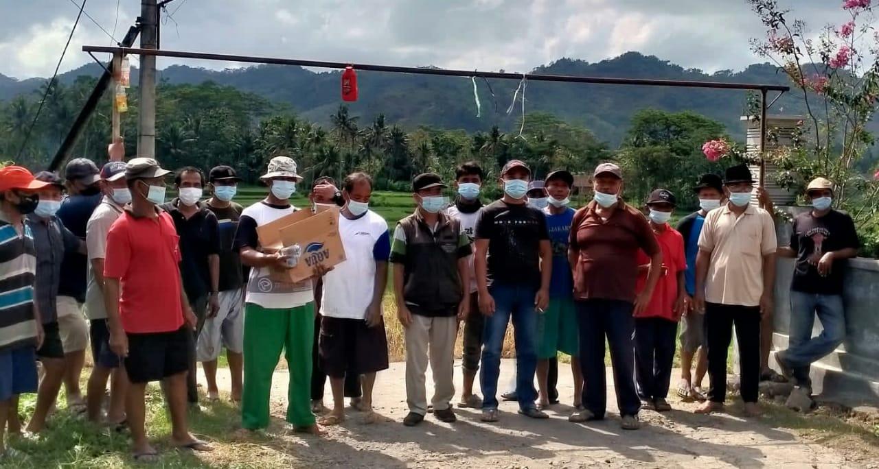 Photo of Masyarakat Dusun Krajan Desa Pagerwojo Menutup Akses Untuk Kendaraan Besar