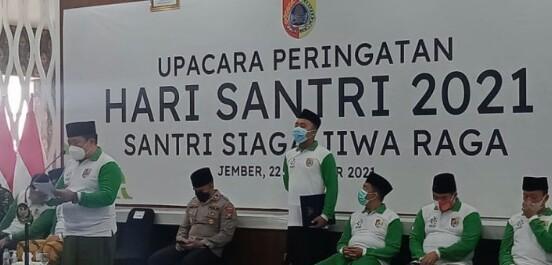 Photo of Hari Santri Nasional, Bupati Jember Aprisiasi Karya Para Santri