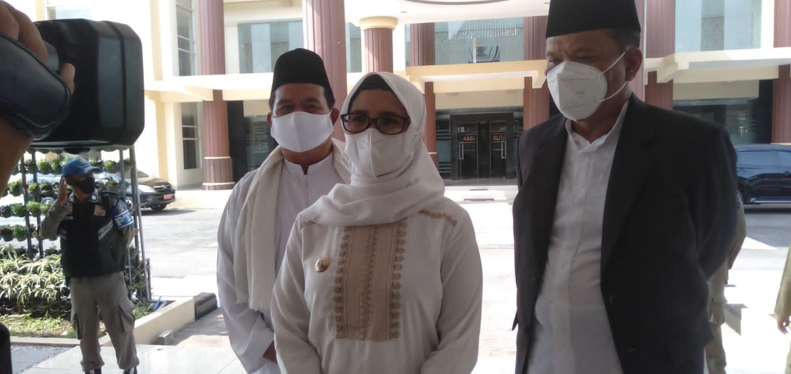 Photo of Bupati Blitar Pimpin Upacara Hari Santri Nasional Di Alun-Alun Kanigoro