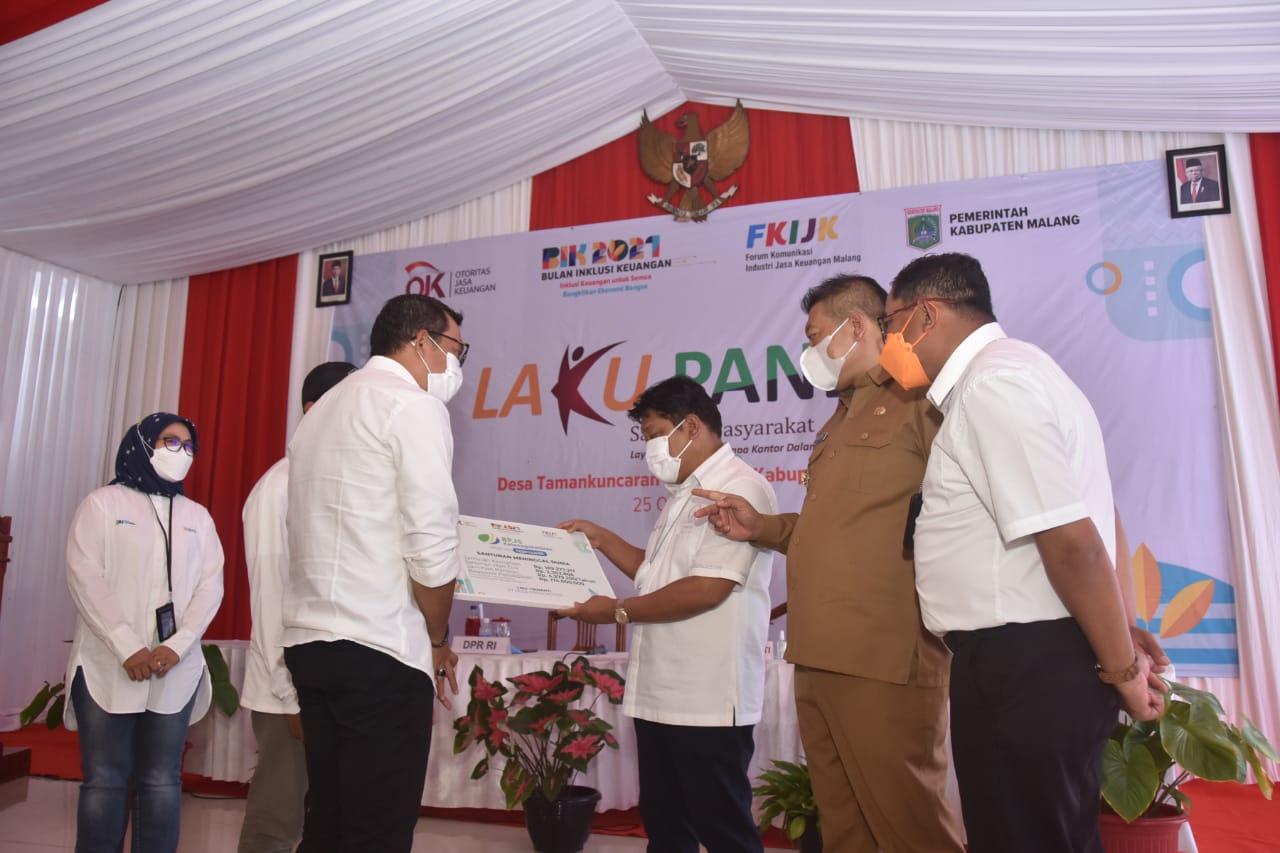 Photo of Lebih Efektif, Layanan Laku Pandai Perbankan Rambah Desa Di Kabupaten Malang