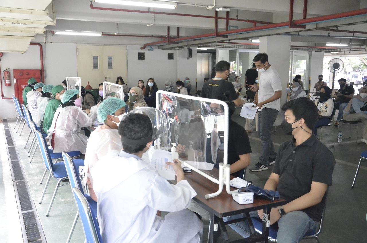 Photo of FKG Universitas Dr Moestopo Lakukan Vaksinasi Booster
